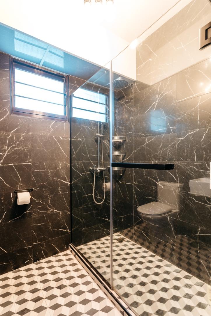 thumb_blk 418c fernvale link - toilet (1)_1024