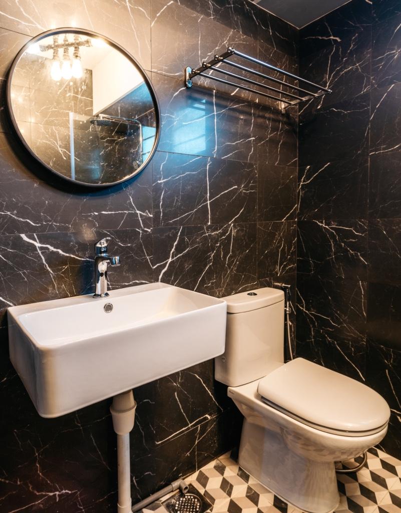 thumb_blk 418c fernvale link - toilet (2)_1024